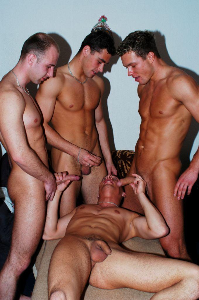жесткое порно геев фото