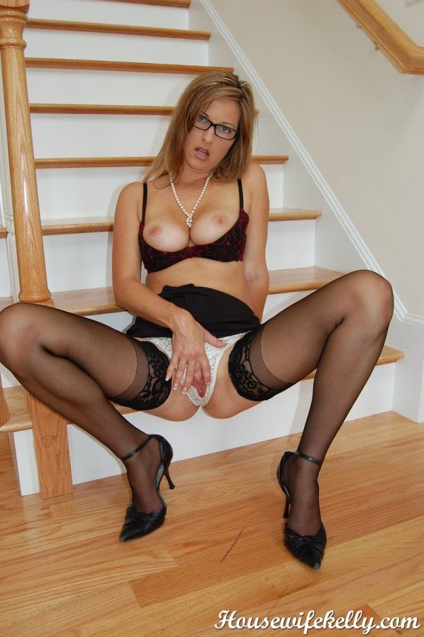 Kelly Housewife Porn - housewifekelly-5.jpg