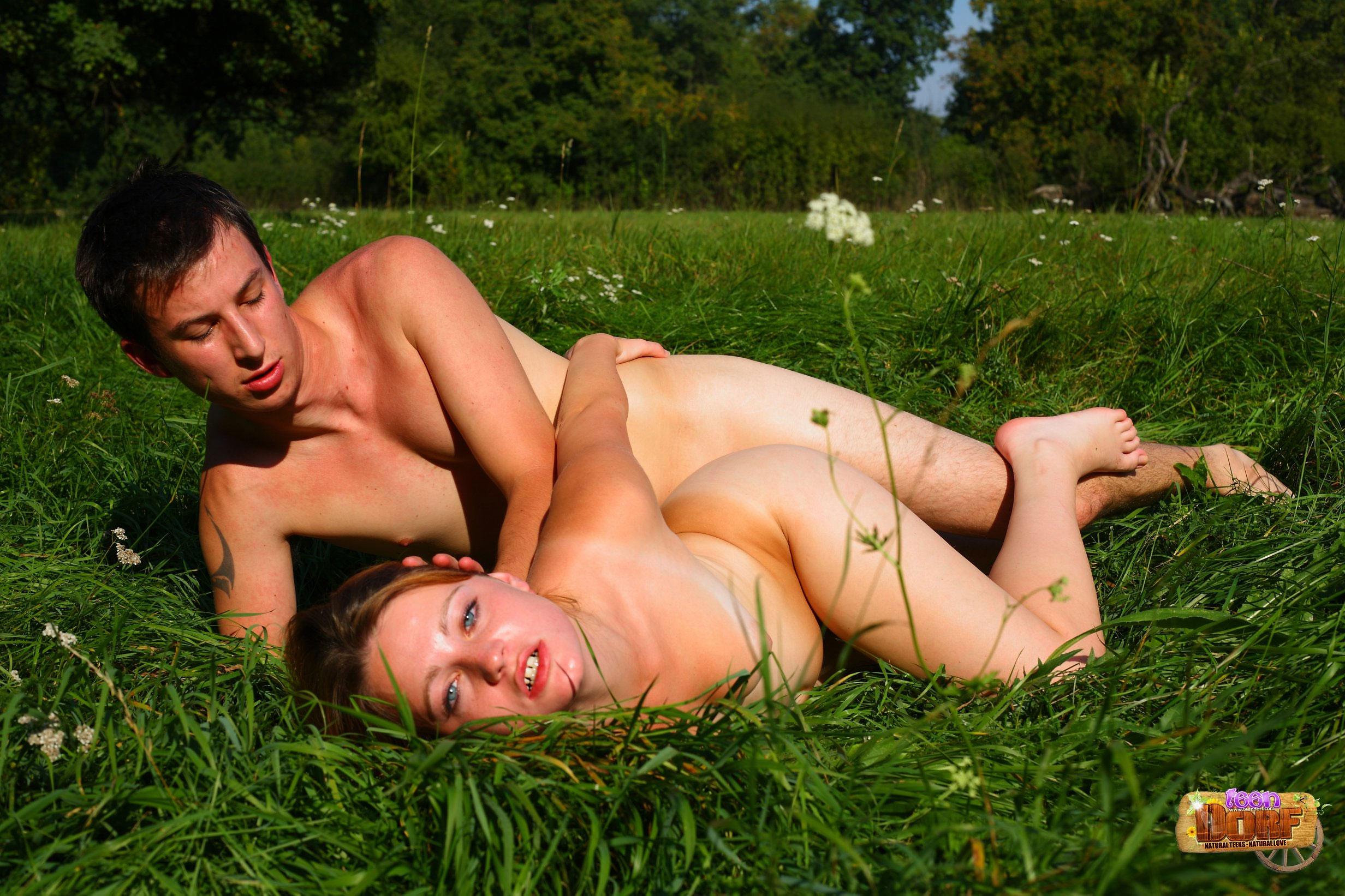 Saggy busty outdoor porn